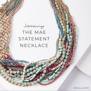 Stella and Dot Mae statement necklace